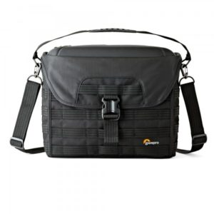 photoking-lowepro-35-protactic_sh200aw_front_sq