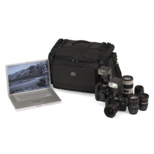 photoking-lowepro-7-1-magnum650_equip_big
